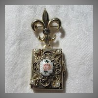 Coro 4 Way Locket Enamel Rose Four Photo