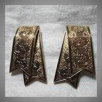 Victorian Style Pair Clips