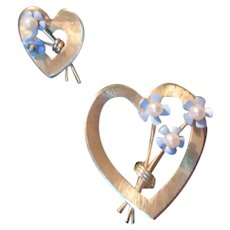 Set Heart Pins Blue Flowers