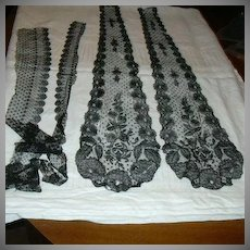 Black Antique  Fancy Lace Panels   Collar & Edging