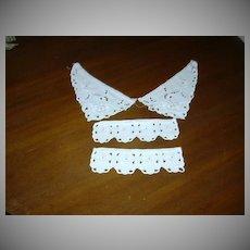 White Cotton Eyelet Collar & Cuffs