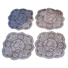 Set 4 Filet Doilies Coasters Fine Linens