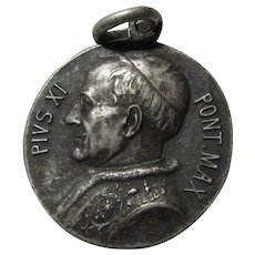 Pope Pius XI Virgin Mary Immaculate Conception Medal