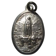 Virgin Mary Our Lady Fatima Jesus Sacred Heart Medal