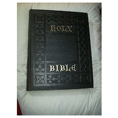 Holy Bible Family Size Self Pronouncing 20th Century Edition