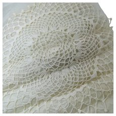 "Hand Crocheted 18"" Doily Unused Circa 1940s Pineapple Pattern"