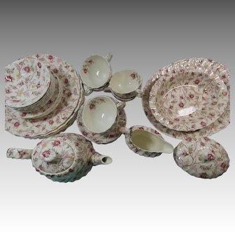 27 Pieces Copeland Spode Rosebud Chintz Set With Teapot
