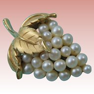 Crown Trifari Brushed Goldtone and Faux Pearl Pin Brooch