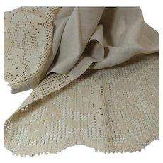 Ecru Linen and Filet Crochet Dresser Scarf or Runner