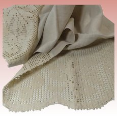 Ecru Linen and Filet Crochet Dresser Scarf or Runner