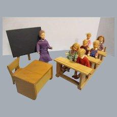 Vintage Erna Meyer School Room German with 7 Dolls All Original