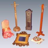 Vintage Lot of Doll House Furniture!