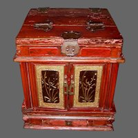 Chinese Table Top Dressing Box/Jewelry Box with Lift up Mirror