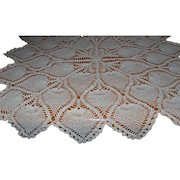 Crocheted Cottage Pineapple Design Round Table Throw/Table Cloth