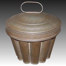 Early Fluted Tin Pudding, Bread Mold