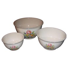 Kitchen Kraft Oven Serve U.S.A. Mixing Bowls in Petit Point Rose Pattern by Homer Laughlin