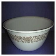 Woodland Corelle Serving bowl by Corning