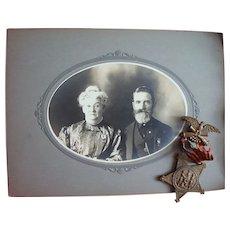 Wautoma,Wisconsin Civil War GAR Photo of Gus & Eva Robinson with actual GAR Medal
