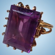 Vintage 18 ct Alexander II Synthetic Sapphire Ladies Ring