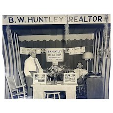 Eustis,Florida B.W.Huntley Real Estate Agent with Woodies
