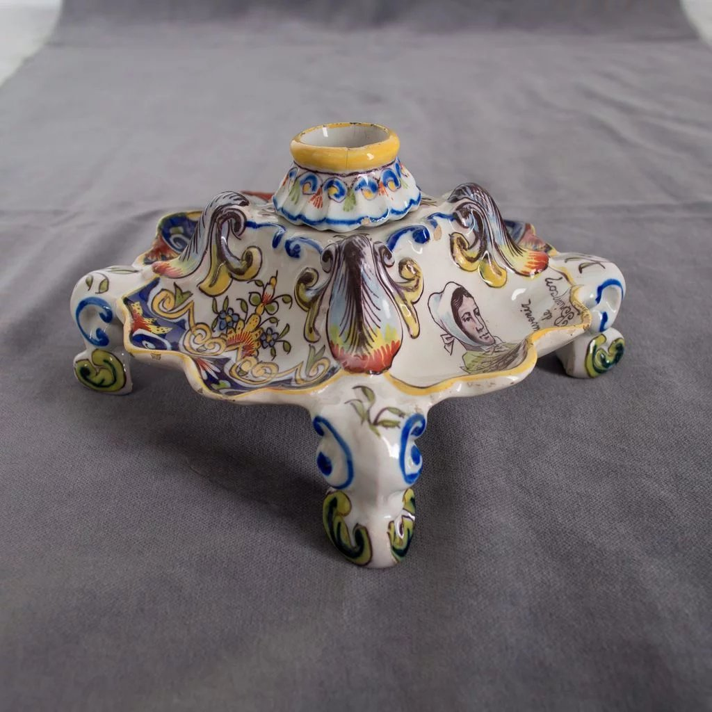 French faience inkwell desvres rouen decor olivier for Decoration faience