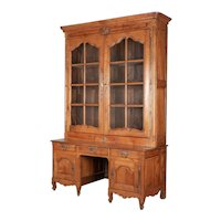 18th Century French Louis XV Grand Scale Bibliothèque or Display Cabinet