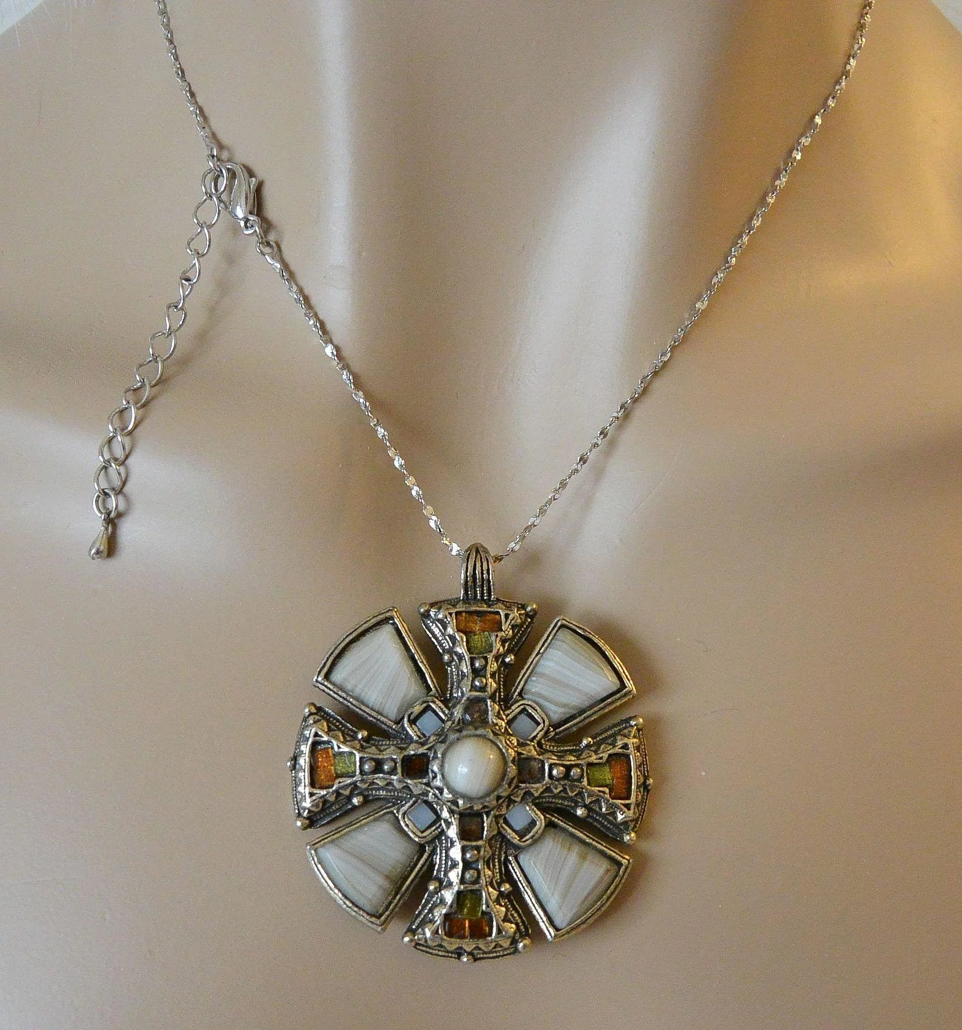 scents necklace silver product of a celtic scotland