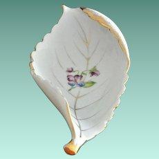 Curled Leaf Porcelain Dish with Violet Flower UCAGCO Japan