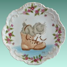 Adorable Puppy with Shoe Display Plate