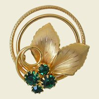 Retro Revival Gold Tone Leafy Pin Green Rhinestones