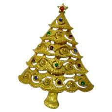 JJ Joanette Jewelry Christmas Tree Pin