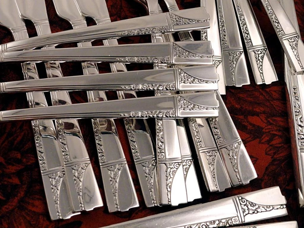 oneida nobility plate caprice art deco vintage 36 pc 1937 silver fireside treasures ruby lane. Black Bedroom Furniture Sets. Home Design Ideas