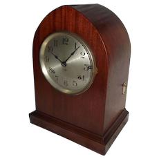 """Seth Thomas Sonora"" Mantle Clock with Mint Refinished Beehive Mahogany Case !!!"