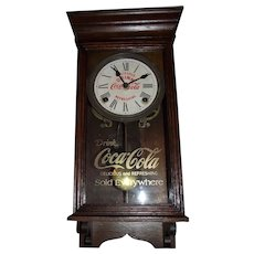 """Rare """"Coca Cola"""" Salesman Sample Size Advertiser Clock in Solid Oak with marked Dial & Glass Tablet !!! Circa 1930-1940."""