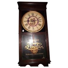 """""""Pepsi Cola"""" Advertising Store Regulator in a Solid Oak Case circa 1920's to 1940's !"""