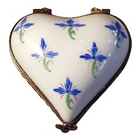 Vintage Handpainted Limoges Floral Small Heart Porcelain Pill Box Trinket Box Jewelry Box Made in France
