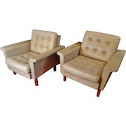 Danish Modern Light Grey Leather  Mid Century Modern Sofa Set with Pair Of Matching Chairs, Dux by Folke Ohlsson
