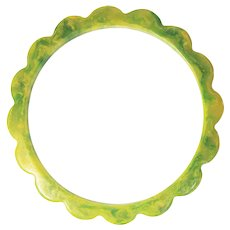 True Vintage Early Plastic Marbled Lemon-Lime Bakelite Green and Yellow Scalloped Daisy Spacer 1/4 Inch Bangle Bracelet