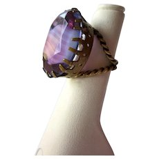 Vintage 1950s West German Givre Glass Banded Purple Faceted Glass Statement Cocktail Ring with Twisted Brass Band in Dogtooth Crown Setting