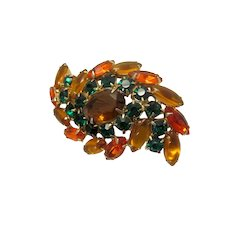 Vintage Midcentury Juliana D & E Delizza and Ester Autumn Tones Topaz and Emerald Glass Rhinesone Swirl Brooch Fall Colors