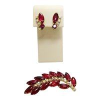 Vintage 1960s Midcentury Juliana Demi Parure Set Ruby Red Bubble Glass Statement Brooch w/ Matching Earrings Collectible Costume Jewelry
