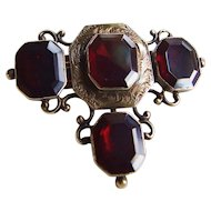 Early Victorian 14k Gold Garnet Brooch