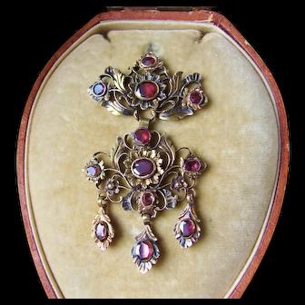 18th Century Garnet Girandole Pendant in Antique Box