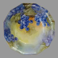 """Coiffe Limoges Grape Motif Bowl (Signed """"GH""""/c. 1891-1930)"""
