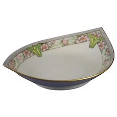 Favorite Bavaria Arts & Crafts Wild Rose Motif Bowl (c.1910-1930)
