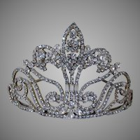 Beautiful Vintage French Fleur de Lis Rhinestone Tiara, Wedding Crown