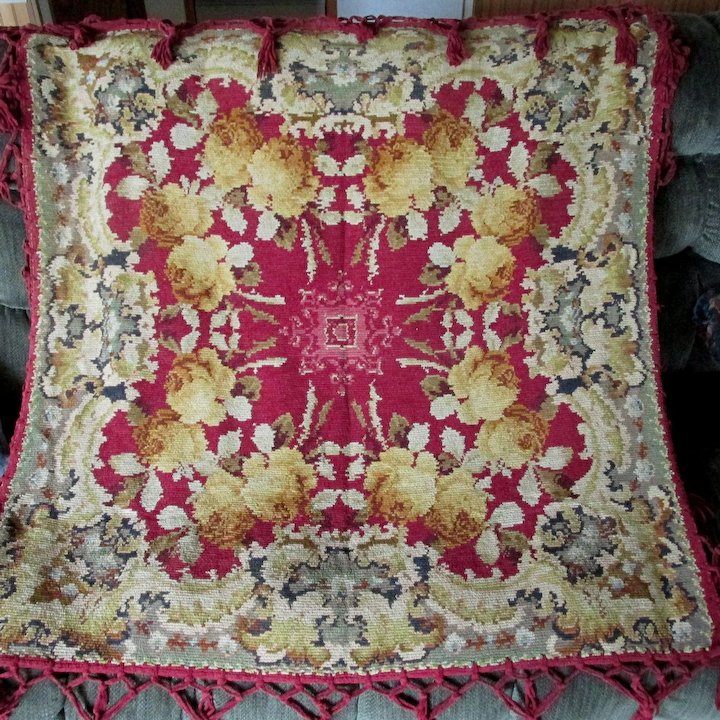 19thC Victorian Chenille Tablecloth With Yellow Roses