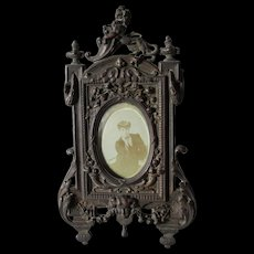 Antique c1880s Picture Frame with Cherub Face and Lion