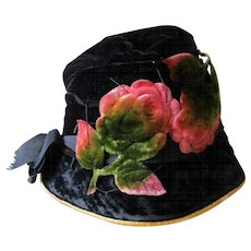 c1920s Velvet Cloche Hat, Gatsby or Flapper Millinery