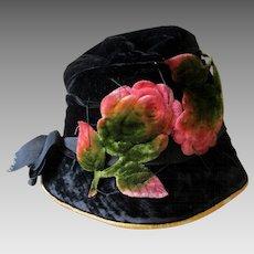 c1920s Velvet Cloche Hat, Gatsby or Flapper Millinery